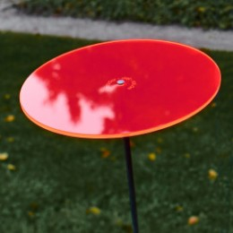 Attrape soleil de jardin Cazador Del Sol disque de fleur rouge