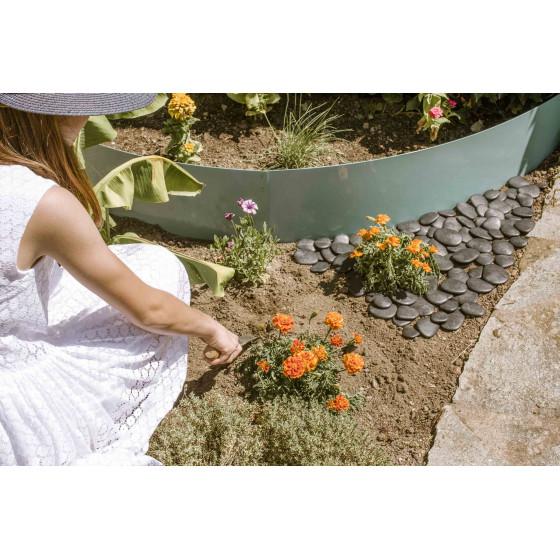 Galets de jardin décoratif noir en plastique recyclé diamètre 5-8 cm